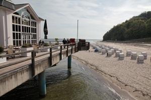 An der Seebrücke in Sellin auf Rügen - At the Pier in Sellin