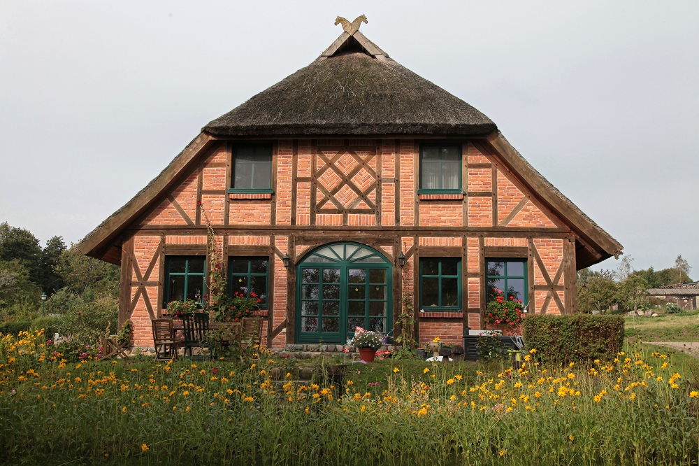 Thatched roof house in Groß Stresow - Island of Rügen