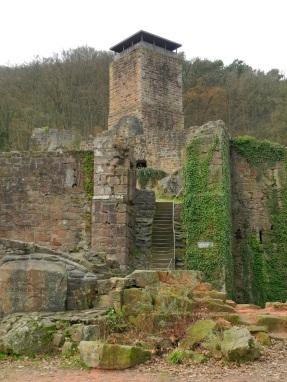 Hinterburg, Neckarsteinach (Um 1100 wurde mit dem Bau der Burg begonnen)