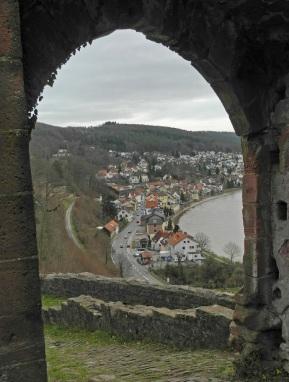 Blick auf Neckarsteinach von der Hinterburg aus