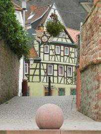 In Neckarsteinach, vom Neckarufer aus
