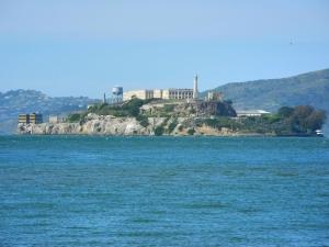 Die Insel Alcatraz in der Bucht von San Francisco (500 m lang)