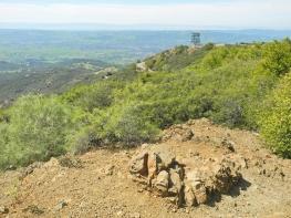 Wanderung auf den Mount Diablo - am Gipfel