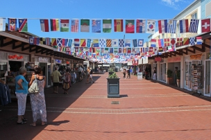 The Waterfront Knysna Quays: Shops galore - Knysna, Westkap - South Africa
